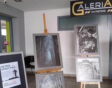 """""""RETROspektywa"""" wystawa w """"Galerii na Piętrze"""""""
